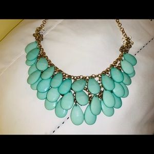 Francesca's Collections Jewelry - Francesca's Green Statement Necklace! 💚